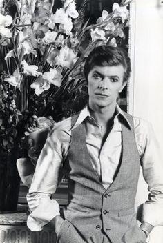 David Bowie judging you so hard.