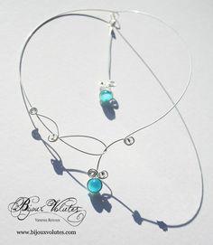 Collier mariage fin bleu turquoise avec bijou de dos, collier de mariée original bleu : Collier par bijoux-volutes