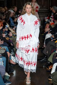 Simone Rocha Spring 2018 Ready-to-Wear Undefined Photos - Vogue