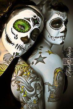 Sugar skulls / Day of the Dead Celebrations / Mexico. Sugar Scull, Sugar Skull Girl, Sugar Skull Makeup, Dead Makeup, Candy Skulls, Day Of The Dead Skull, Sugar Skull Tattoos, Skull Painting, Mexican Skulls