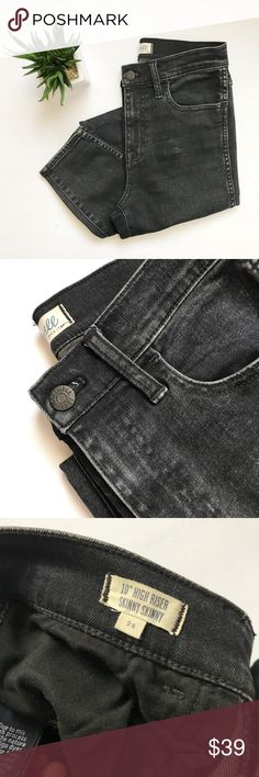 Madewell 10' High Riser Skinny Skinny Jeans 👖 Madewell 10' High Riser Skinny Skinny Jeans 👖  Condition: Pre-owned (worn once)  Size: 26 Waist: 13  Inseam: 27 Classic & Trendy jeans. Perfect to pair with body suits & long tees. Worn once selling them because they fit me too tight. They are a charcoal gray/ black color.  Jeans are meant to look distressed. There are two stains on the jeans I'm not sure if this was meant to be there or why it's patchy like that. Back part of jeans and left…