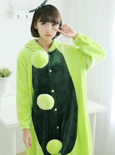 91edb610fe Green pea conjoined pajama animals onesie
