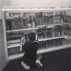 Lo trobaré, un llibre un tresor!! #bibliotequescat #bliblioteca #bibliolloret #igers #igerslloret #igerslibrary #books #twbib #beauty #beautiful #bestmoments #vsco #vscobest #jj_allportraits #picture #picoftheday #nice #blancoYNegro #black&white #cool #descobreixcatalunya #dreans #sweet #instadaily #instagramers #image #raconsbibliolloret #racons Foto: @golfjacobo Vsco, Photo Wall, Management, Black White, Bright, Cool Stuff, Sweet, Books, Pictures