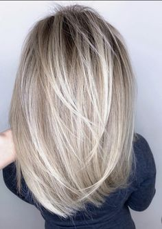 Blonde Color, Hair Color, Medium Length Hair Cuts With Layers, Silver Hair, Cut And Style, Hair And Nails, Hair Inspiration, Blonde Hair, Short Hair Styles