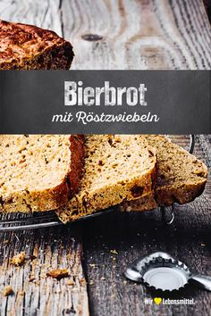 Bierbrot In the German-speaking countries, the bread culture takes a high priority. Spicy breads and hearty pastries are not only popular in this country for breakfast. Bake your own hearty pastry specialty with our Bierbrot recipe! Easiest Bread Recipe Ever, Easy Bread Recipes, Cookie Recipes, Quick Bread, Beer Cheese Bread Recipe, Chocolate Chip Cheesecake Brownies, Pampered Chef, Bread Baking, Love Food