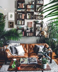 Minimalist Hippie Living Room is agreed important for your home. Whether you choose the Minimalist Living Room Hippie Living Room, Bohemian Living, Living Room Decor Boho, Living Room Vintage, Living Room Photos, Living Rooms, Home And Deco, Living Room Lighting, Minimalist Living