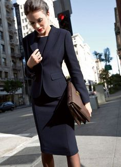 Top 18 Classy and Elegant Fashion Combinations for Business Woman Today, all successful business women take care of the home, the children and always look good. If you are in doubt whether you can wear a piece of Classy Outfits For Women, Womens Fashion Casual Summer, Office Fashion Women, Black Women Fashion, Womens Fashion For Work, Look Fashion, Clothes For Women, Work Suits For Women, Fashion Vest