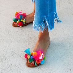 Thats bananas - Trot Tutorial and Ideas Boho Sandals, Shoes Sandals, Heels, Shoe Makeover, Diy Accessoires, Shoe Closet, Me Too Shoes, Shoe Boots, Creations