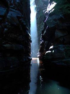 Cueva de Kavac,  la garganta del Parque Nacional de Canaima. Ciudad Bolívar, Venezuela