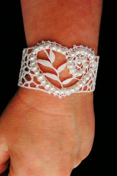 Bided Bobbin Lace Bracelet