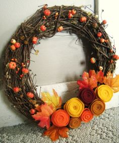 DIY Fall Wreath #crafts #DIY #fall #autumn