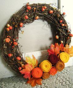 DIY Fall Wreath #crafts #DIY #fall #autumn