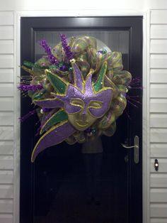 Mardi Gras wreath @Katie Bohannon @Ashley Besco @Amy Abendschein