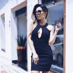 LOOKSLY - Thaylise Ferreira com vestido preto com decote gota da Black Edition Verão 2017