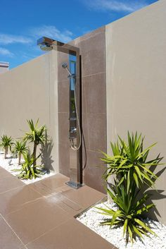Outdoor Bathrooms 372109987962162365 - Outdoor shower for the mansion I don't own – stainless steel, slot drain, modern outdoor shower Source by Outdoor Pool Shower, Outdoor Baths, Jacuzzi Outdoor, Outdoor Bathrooms, Backyard Pool Designs, Swimming Pools Backyard, Swimming Pool Designs, Outside Showers, Pergola