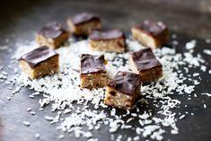 Healthy Sweets, Healthy Baking, Healthy Snacks, Raw Food Recipes, Sweet Recipes, Cake Recipes, Chocolate Treats, Vegan Treats, Paleo Dessert
