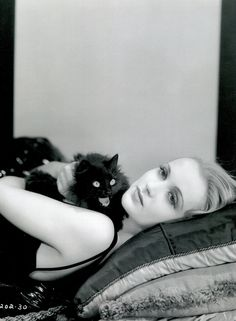 Vamps and Flappers — ladybegood: Carole Lombard photographed by Eugene. Carole Lombard, Crazy Cat Lady, Crazy Cats, Classic Hollywood, Old Hollywood, Hollywood Actresses, Hollywood Glamour, Animal Gato, Albert Schweitzer
