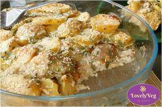 Mennyei finom és krémes vegán rakott krumpli bulgurral. Szuper finom és szuper egészséges rakott krumpli! Nagyon ajánlott kiprópálnod! Bologna, Tofu, Potato Salad, Potatoes, Vegan, Ethnic Recipes, Bulgur, Potato