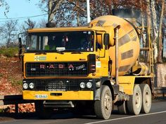 Bus Engine, Types Of Concrete, Mixer Truck, Concrete Mixers, Trucks, Cars And Motorcycles, Transportation, Automobile, Engineering