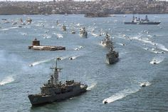 HMAS Sydney leads warships into Sydney Harbour INTERNATIONAL FLEET REVIEW