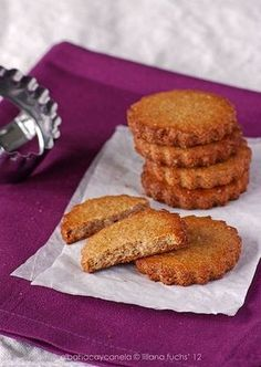 Whole spelled and almond cookies - Diet Recipes 🥗 Almond Flour Cookies, Coconut Cookies, Yummy Cookies, Xmas Cookies, Cookie Desserts, Cookie Recipes, Bolo Fit, Cream Cheese Cookies, Bread Machine Recipes