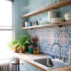 Beautiful Bohemian Kitchen Decor for Cozy Kitchen Inspirations 05 – GooDSGN Bohemian Interior Design, Interior Design Kitchen, Luxury Interior, Simple Kitchen Design, Interior Photo, Contemporary Interior, Photo Deco, Retro Home Decor, Vintage Decor