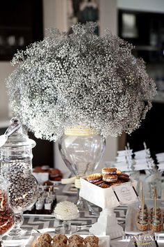 Baby's Breath Arrangement. Simple AND inexpensive. So full & elegant!