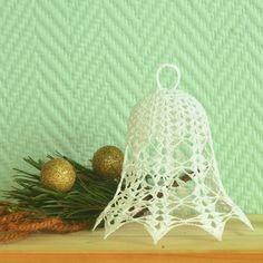 Zvonek+Háčkovaný+zvoneček+vytvořený+pro+vaši+vánoční+dekoraci.+Lze+zavěsit+nebo+postavit,+jak+ukazuje+foto.+Na+vaše+přání+vám+ráda+vytvořím+zvoneček+i+v+jiném+barevném+provedení.+Pište+prosím+VP.+Vytvořen+dle+vlastního+návrhu.+Je+cca+15+cm+vysoký+a+široký+cca+14+cm.+Je+silně+natužený,+takže+krásně+drží+tvar!+Doporučuji+skladovat+v+krabici,+nenamáčet!... Crochet Angels, Crochet Earrings, Pattern, Jewelry, Jewels, Schmuck, Jewerly, Jewelery, Jewlery