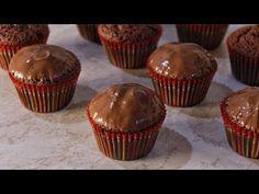 Πανεύκολα Κεκάκια με 3 Υλικά ΜΟΝΟ (ΧΩΡΙΣ ΜΙΞΕΡ) - YouTube Happy Foods, Few Ingredients, Greek Recipes, Nutella, Food To Make, Sweet Tooth, Food And Drink, Cupcakes, Yummy Food