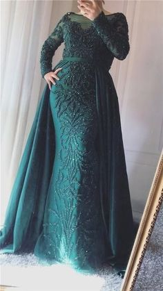 Luxury Mermaid Evening Dresses Emeradald Green Train Long Sleeves Beading Crystal Evening Gown CR 7947 - Women's style: Patterns of sustainability Hijab Evening Dress, Hijab Dress Party, Mermaid Evening Dresses, Prom Dresses, Formal Dresses, Evening Gowns With Sleeves, Dinner Gowns, Muslim Dress, Chiffon Dress Long