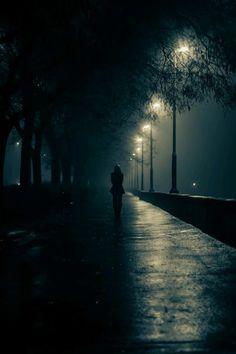 miss my night time strolls Dark Photography, Night Photography, Black And White Photography, Street Photography, Photography Basics, Scenic Photography, Aerial Photography, Landscape Photography, Hipster Noir