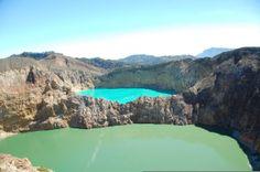 kelimutu twin lake