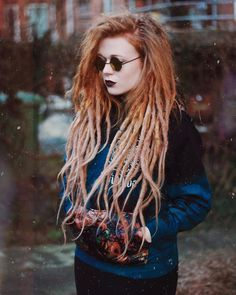 « I look so grunge on this photo wearing my @fideliusclothing hoodie ✨ #grunge »