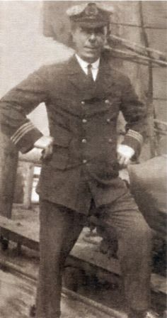 ROBERT HICHENS (Crew)  First Quartermaster Robert Hichens steered the Titanic into the iceberg. He later got into a fight in the lifeboat with 'The Unsinkable Molly Brown,' which brought her lifelong fame. Hichens continued to work aboard ships after the sinking.
