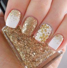 Cute I love Snowflake Nail Art Designs - Nails C Classy Nails, Trendy Nails, Cute Nails, Nagellack Design, Nagellack Trends, Xmas Nails, Holiday Nails, Christmas Nails Glitter, Snowflake Nail Art