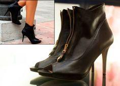 ¡Enamoradas de este botín de Pedro Miralles! Hazte con el tuyo, ahora de rebajas :-) http://www.himayzapateria.es/botín-tacón-negro-cremallera-pedro-miralles_p35581