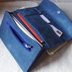 Pochette complète en cuir velours bleu cousu main