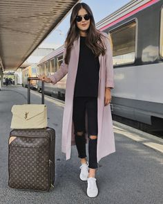 Vichy/Paris Travel Diaries – Blank Itinerary - Travel World Airport Travel Outfits, Cute Travel Outfits, Trendy Outfits, Winter Outfits, Cute Outfits, Fashion Outfits, Womens Fashion, Traveling Outfits, Summer Airport Outfit