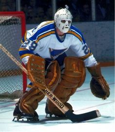 More St.louis goalies and their masks from the Ice Hockey Teams, Hockey Goalie, Hockey Games, Hockey Players, Goalie Mask, St Louis Blues, Go Blue, National Hockey League, Old School