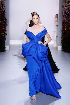 Neckline Ralph & Russo : Runway – Paris Fashion Week – Haute Couture S/S 2014