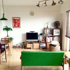 someday-5さんの、部屋全体,観葉植物,無印良品,ポスター,ソファ,扇風機,ダイニングテーブル,マンション,ドライフラワー,二人暮らし,カリモク60,シーリングライト,TVボード,ペンダントライト,ウッドブラインド,ダルトン,スタッキングシェルフ,ラタンカゴ,のお部屋写真