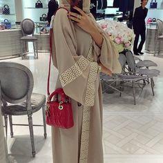 HANAA is a modest fashion brand that celebrate the Abaya and Hijab as a powerful expression of a woman& individuality. Arab Fashion, Dubai Fashion, Islamic Fashion, Muslim Fashion, Modest Wear, Modest Outfits, Modest Fashion Hijab, Fashion Outfits, Fashion Wear