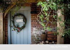 My Top Ten Modern Country Christmas Front Doors! Cottage Christmas, Noel Christmas, Country Christmas, Christmas Wreaths, Christmas Ideas, English Country Cottages, Country Farmhouse, Farmhouse Door, English Christmas