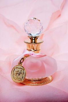 554 Best Pretty Perfume Bottles Vanity Sets Mirrors Etc