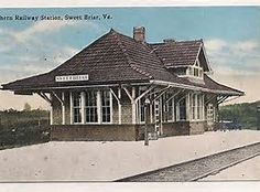 Historic railroad station home - notice extended overhang and sloping roof. Old Train Station, Train Stations, Roof Lines, Play Houses, Planer, Ontario, Outdoor Structures, Exterior, Cabin