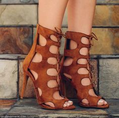 @Lolashoetique is ready for Fall (2015)