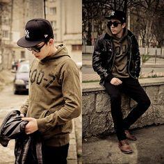 New Era Fullcap, Smog Hoodie, Sixth June Leather Jacket, H Black Skinny Jeans, Bershka Boots