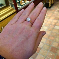 Solitair ring 1.72ct. 18K geelgouden solitair ring gezet met een briljant geslepen diamant van 1.72ct, kleur J & helderheid P1. Diamant is gezet in een 6-poots draadchaton. #ring #rings | ringen | gouden ring | golden rings | golden rings design | vintage rings | trouw ring | trouw ringen goud | verlovingsring goud | sieraden amsterdam | #spiegelgrachtjuweliers SpiegelgrachtJuweliers.com Vintage Gold Rings, Vintage Jewelry, Amsterdam, Jewels, Engagement Rings, Design, Enagement Rings, Wedding Rings, Jewerly