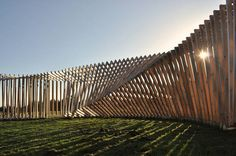 EKKO is a permanent landscape installation, made ​​up of 200 square wooden frame spanning a circular walk.  Installation: Thilo Frank, Berlin Location: DK-9320 Hjallerup (about 20 km north of Aalborg)