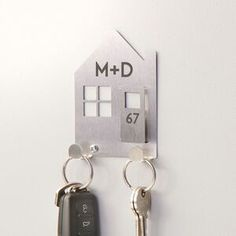Personalised key tidy metal numbered house shape wall mountable Sister Christmas Presents, Gift Card Printing, Key Safe, Great Wedding Gifts, Metal Projects, Diy Projects, Key Hooks, New Home Gifts, Couple Gifts